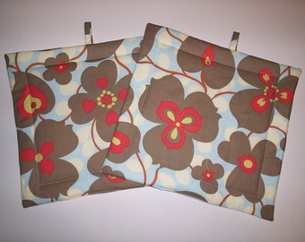 Set of 2 Potholders in Amy Buter Lotus Morning Glory fabric.