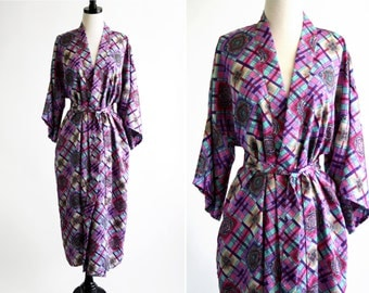 Karyann's Boutique 90's Pink and Purple Pattern Vintage House Coat Robe
