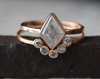 Natural Silver-Grey Geometric Diamond Ring