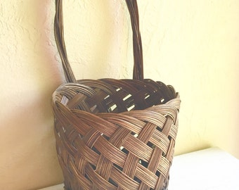 Wall Hanging Basket Farmhouse Style Wall Pocket with Handle
