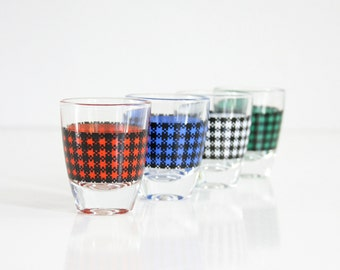 Mid Century Modern Houndstooth Shot Glasses / Colorful Vintage Shot Glasses / Mid Century Barware / Retro Shot Glasses Set From France