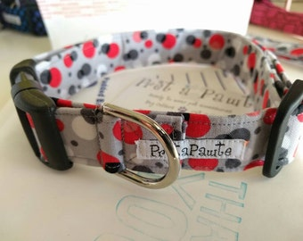 Dog Collar: grey, red and white