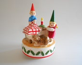Elves Dinner Table Music Box Mouse Music Box Elves Music Box Vintage Christmas Music Box Santa Claus is Coming to Town Porcelain Music Box