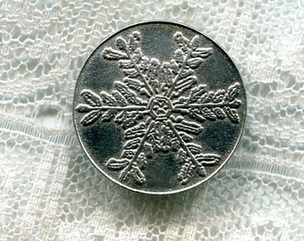 Vintage Christina Pewter Snowflake Pattern Button