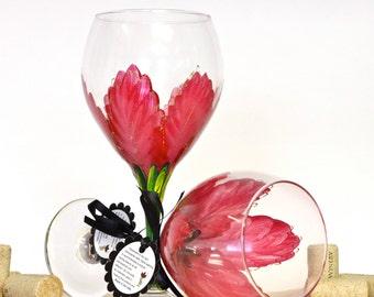 Red Poinsettia glass, Christmas wine glass, holiday wine glass, festive home decor, Christmas table decor, elegant table decor, wine glasses