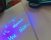 unsichtbarer Tinte handgeschriebene Brief. mit deinen Worten, an wen Sie mögen. Geben Sie mir Ihren Text und ich werde es von hand zu schreiben und senden Sie es für Sie.
