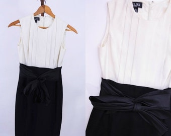 "VINTAGE SALE / 1980s dress vintage 80s colorblock modern black white party dress XS W 26"""