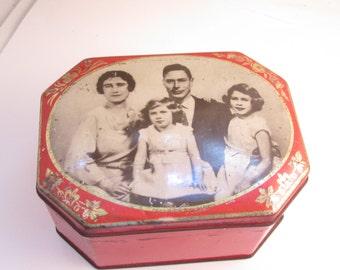 Vintage Riley's Toffee Tin Royal Family Sewing Box Wood Spools English Needels Crochet Edging