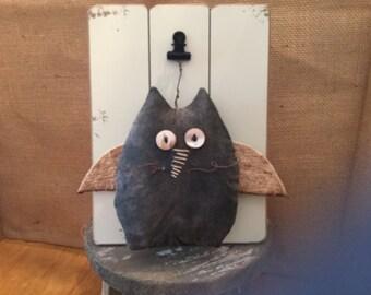 PRIMITIVE CHUBBY CAT Angel
