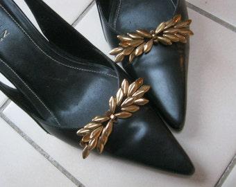 Vintage retro brass look petals shoe clips, garland look petals shoe clips