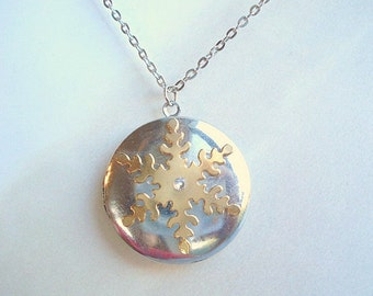 Snowflake Locket Necklace Winter Snowflake Necklace Silver Snowflake Necklace Snowflake Jewelry Holiday Jewelry