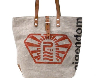 Dutch Postbag Recycled Shopper //  Repurposed by peace4youBAGS, GERMANY - Model pauline-2186