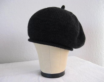 Cashmere and Merino Wool Beret in Black. Luxe, Elegant, Classic Accessory. French Beret.