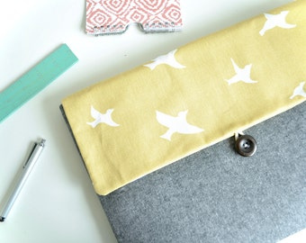 """Laptop Bag Clutch Gift for Her MacBook Air Case, New MacBook 12"""", Chromebook, Microsoft Surface, Padded 10""""-15.6""""  - Birds"""