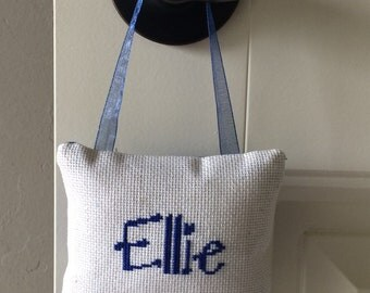 Ellie Hanging Pillow