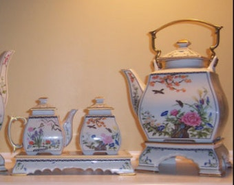 Naoko Nobata TeaSet / Birds and Flowers of the Orient Teapot and Cream Pitcher and Sugar Bowl - Naoko Nobata - 1986 / InTheDay /