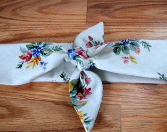 Boho Head Bandana, Floral Print on White, Womans Hair Band, Hair Trend, Bohemian Bandana, RockaBilly HairBand, Teens Women #418