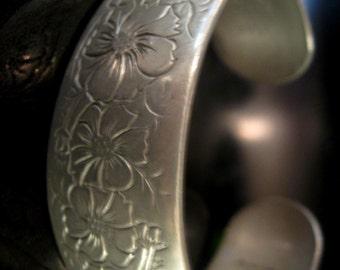 Vintage Cuff Bracelet Bangle Pewter Kirk Stieff Cosmos Floral Etched