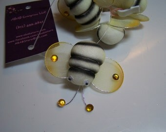 6 Buzzy Bee Collar Bows