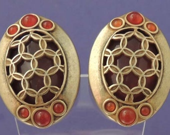 Vintage Carnelian and Gold Earrings / Gold Button Earrings / Carnelian Button Earrings / Carnelian Earrings / Oval Carnelian Earrings