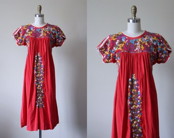 Vintage Mexican Peasant Dress - 1960s Red Oaxacan Floral Embroidery Cotton Tunic Tent Dress - La Puenta