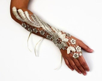 Gold Wrist Corsage Cuff, Guipure Lace Hand Charm, Bridal Fingerless Glove, Modern Wedding, Bridesmaids Gift