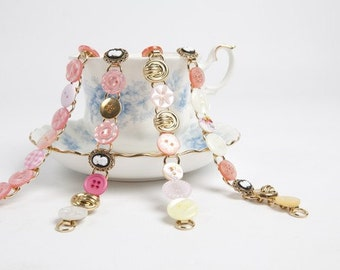 Pink cute button bracelet
