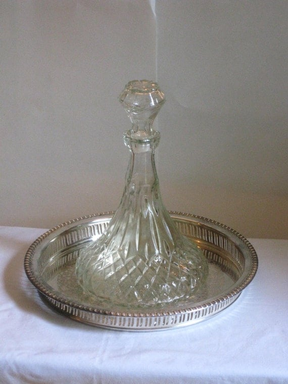 Items similar to vintage pressed glass decanter diamond for How to cut the bottom of a glass bottle