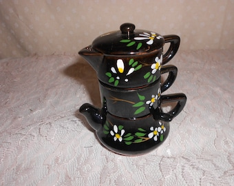 Tea pot Stacking Salt and Pepper Shakers and sugar bowl 3 piece set