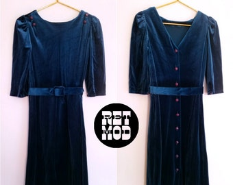 Pretty Vintage 70s Blue Velvet Day Dress - Super Cute and Comfortable!