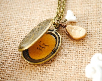 Anne of Green Gables Locket - I don't want sunbursts and marble halls I just want you - Anne and Gilbert - Women's Quote Locket