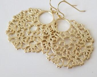 Filigree Earrings,Boho Wedding Chic Earrings,Feminine Gold Disc Earrings,Lace Hoop Earrings,Bohemian Statement Jewelry, Bridal Earrings