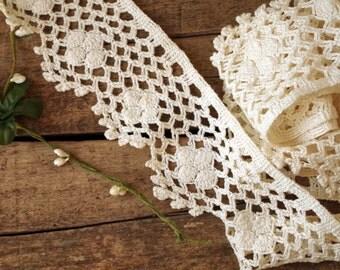 Salvaged Crochet Trim Cotton Edging in Creamy White - Bed Sheet Crochet Trim