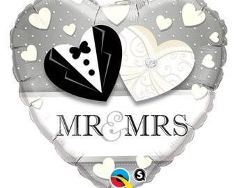 "Mr and Mrs Heart Balloons, Wedding Balloon, Wedding Table Balloon, Large Balloon, 18"" Mylar Foil, Bridal Shower Decor, Wedding Centerpiece"