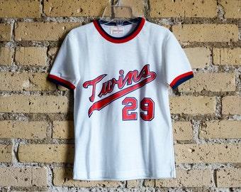 Vintage 1970s Childs Size 8 Munsingwear Minnesota Twins T-Shirt LIKE-NEW / #29 Baseball Hall of Famer Rod Carew, Back Coca Cola Ad