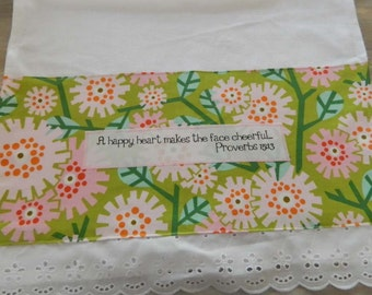 Green floral towel, happy heart makes the face cheerful, vintage eyelet trim