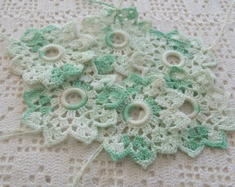 Vintage Shade Pulls Variegated Green Crochet 6 Pc.