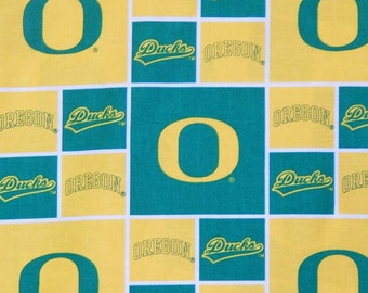"OREGON DUCKS FABRIC , Cotton Fabric, 16"" X 44"", 1/2 Yard, New"