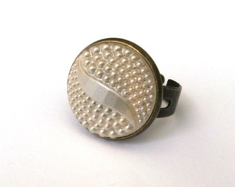 Art Deco Ring, Pearly Cream Glass Button Ring, Vintage Button, Cat Eye Ring, Geometric Ring, Adjustable Ring