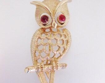 ON SALE Cute Vintage Avon Owl Pin Brooch