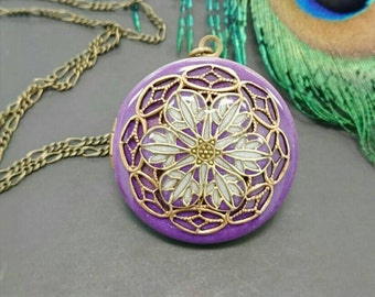 Purple Flower filigree Locket/antique style/Anniversary/Bridesmaid gift/Wedding/Birthday/Sister/Mom/Daughter/Photo Picture/friend.