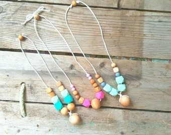 Silicone Bead Teething Necklace - Natural Wood and Silicone Bead Nursing Necklace - Breastfeeding Necklace - Baby Shower Gift - Teething