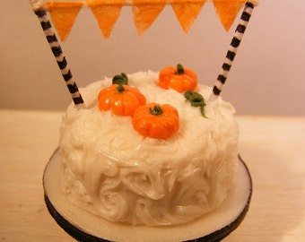 12th Scale Doll House Halloween Bunting Cake