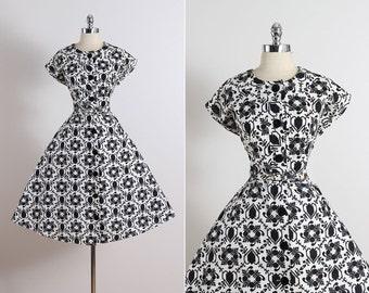 Henriette . vintage 1950s dress . vintage cotton dress . 5413