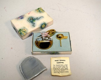 "Vintage 1940s MARY DUNHILL ""Scentinel"" Goldtone Travel Purse Perfume Bottle NOS"