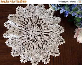 Pineapple Doily in White, Hand Crocheted, Large Lacy Crocheted Doilies, Vintage Table Linens 13522