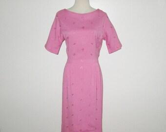 Vintage 1950s Dress / 50s Pink Dress / 50s Pink Floral Dress / 50s Embroidered Dress - S, M