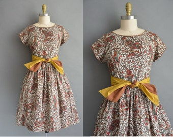 50s rare tibetan novelty print vintage cotton dress / vintage 1950s dress