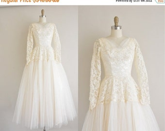 Anniversary SHOP SALE... vintage 1950s wedding dress / ivory lace 50s wedding dress  / She's The One
