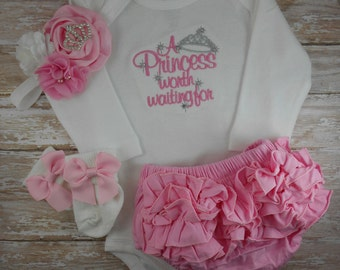 Baby girl coming home outfit, Princess, Newborn baby girl take home outfit, newborn baby girl outfit, baby girl clothes, baby girl bodysuit